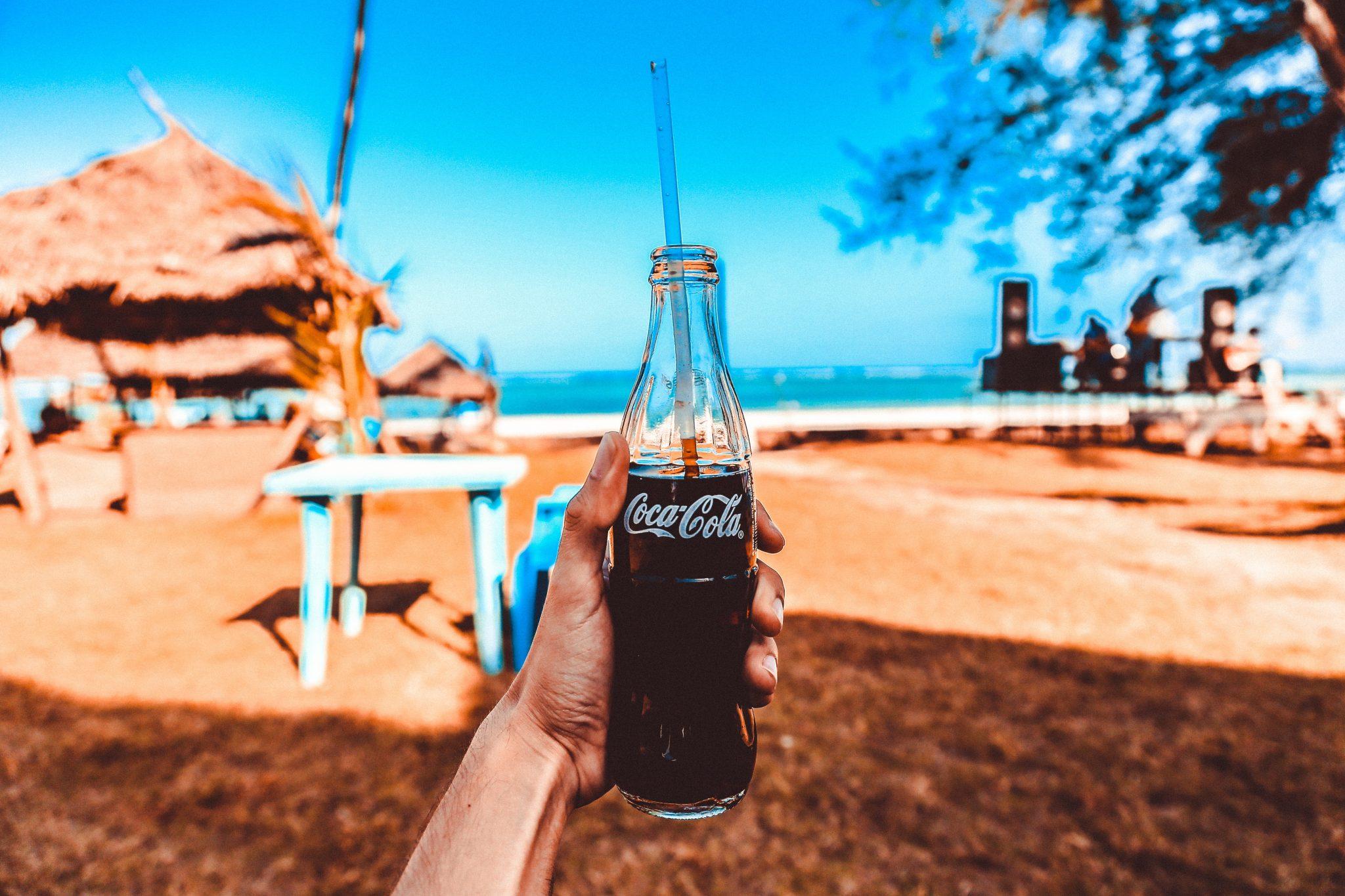 Coca Cola suspende el marketing en redes sociales